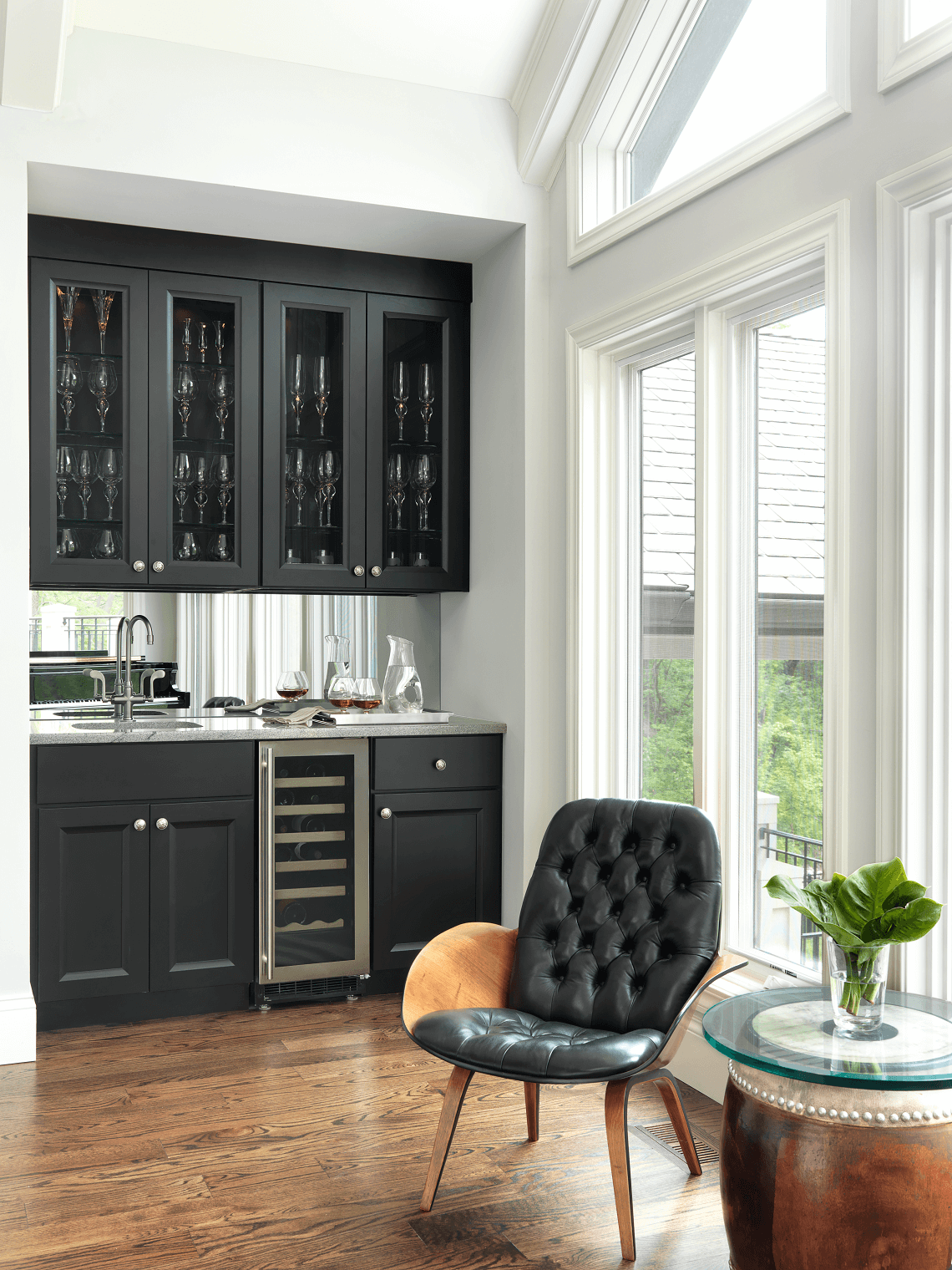 Traditional Wet Bar with Black Cabinetry - BeckAllen Cabinetry