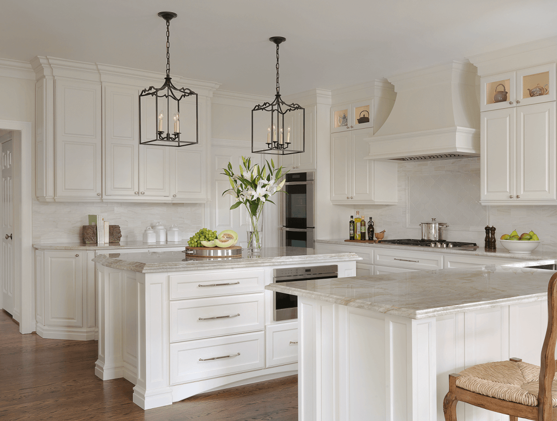 Traditional white kitchen beck allen cabinetry for Pics of white kitchens
