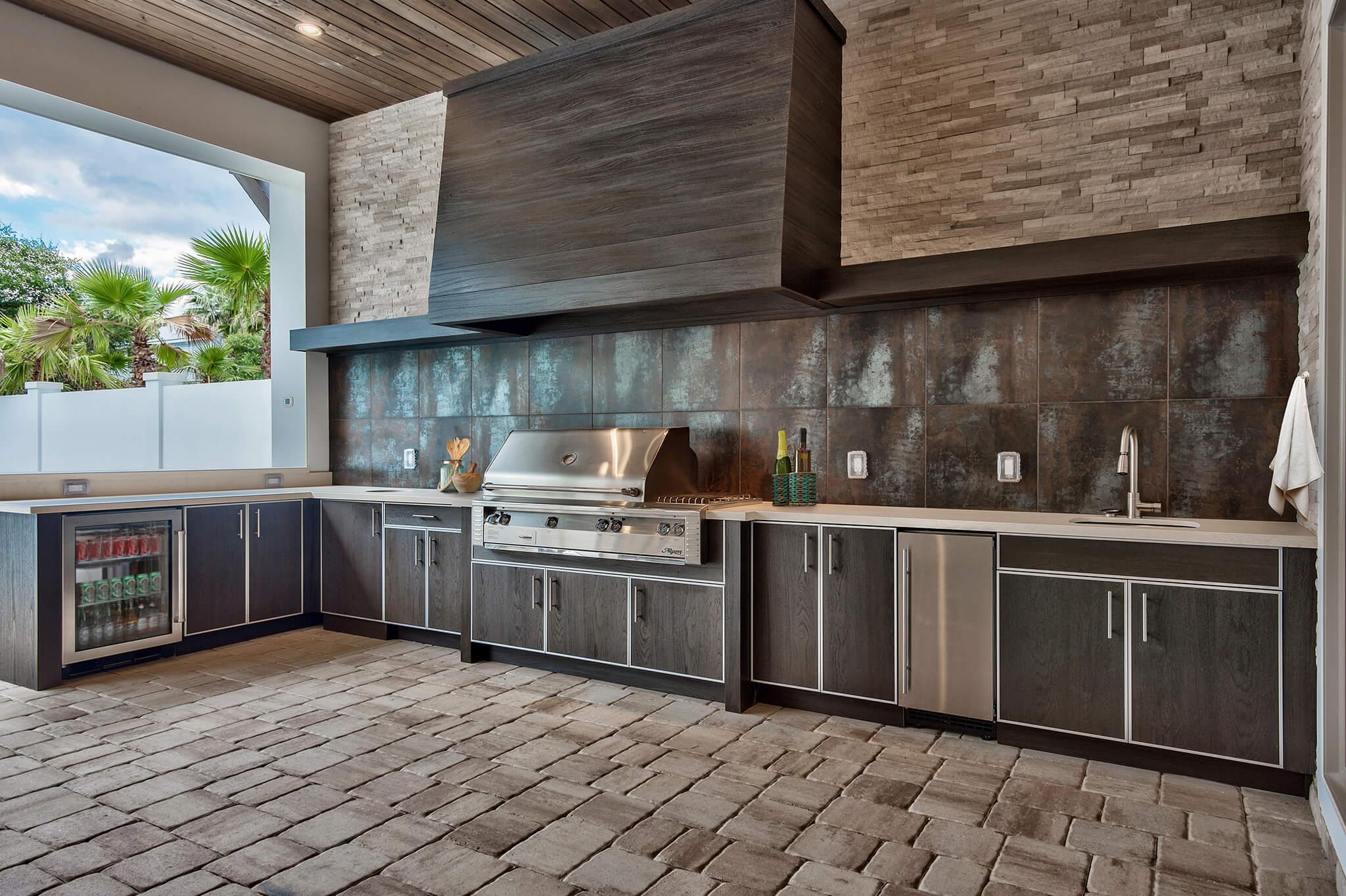Outdoor Kitchen Design - Beck/Allen Cabinetry